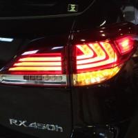 レクサスRX450h テールレンズ交換
